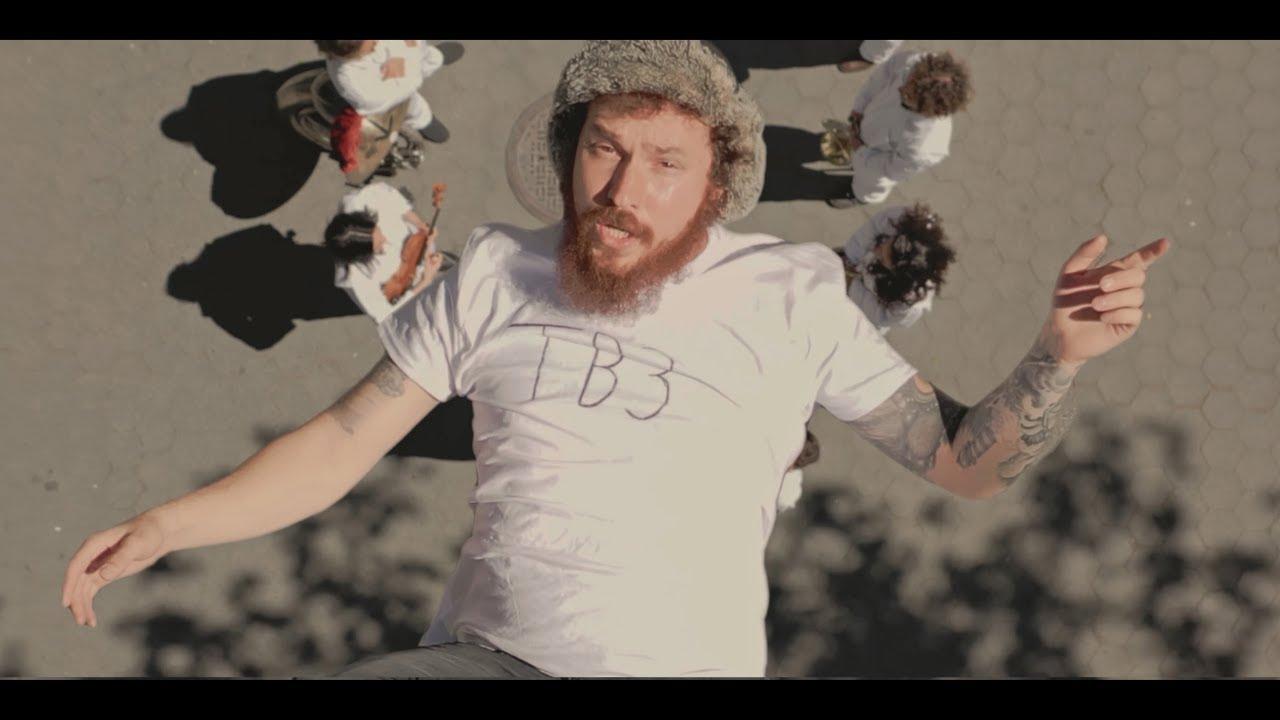 AJRが最新アルバムから「3 O'Clock Things」のミュージック・ビデオを公開