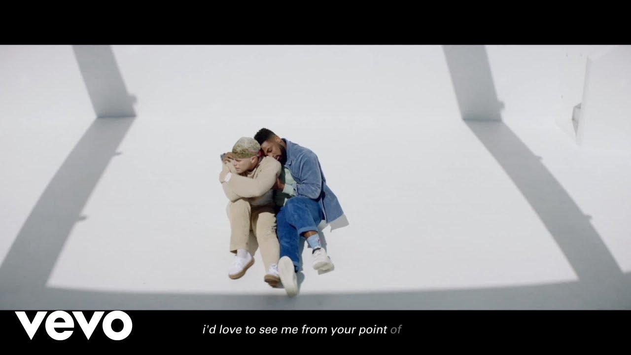 Ariana Grandeが最新アルバムから「POV」のリリック・ダンス・ビデオを公開