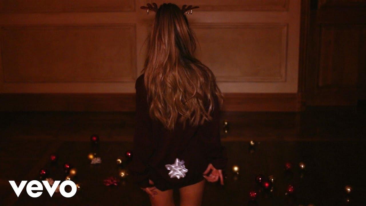 Ariana Grande「Santa Tell Me」の洋楽歌詞カタカナ・YouTube動画・解説まとめ