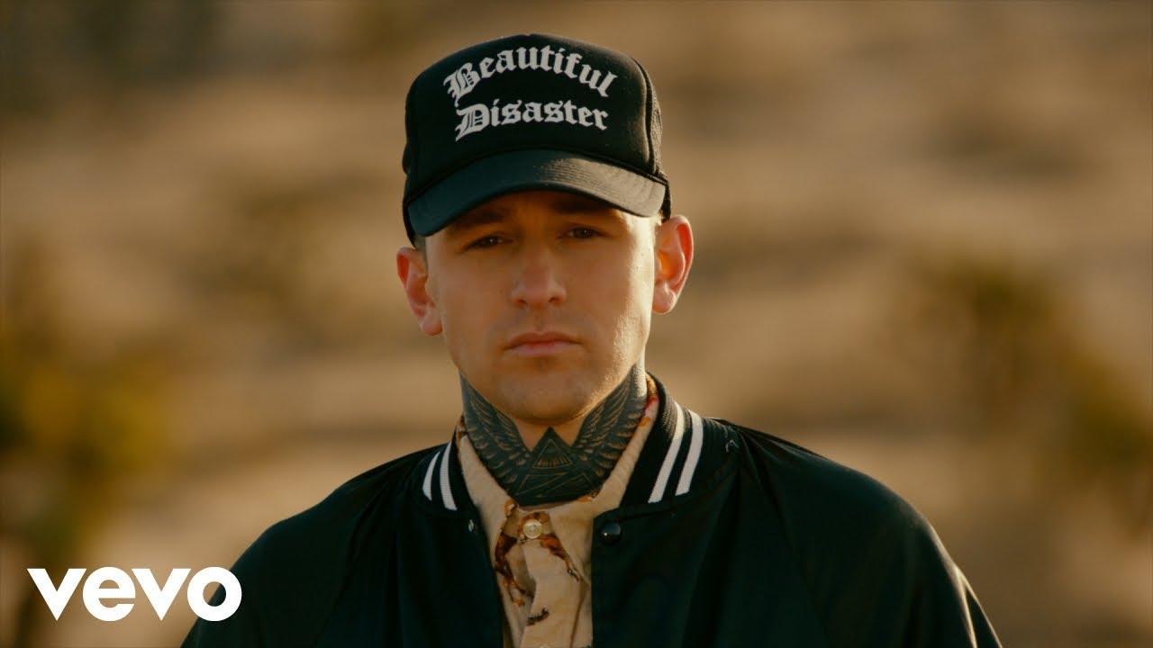 Arizona Zervasが大ヒット曲「ROXANNE」のミュージック・ビデオを公開