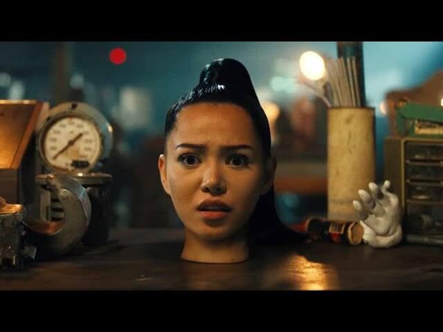 Bella Poarch「Build a B*tch」の洋楽歌詞カタカナ・YouTube動画・解説まとめ