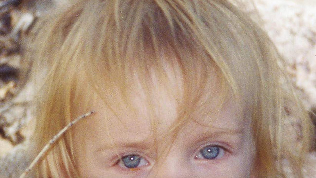 Billie EilishがSNSで自身初の写真集(フォト・ブック)を告知