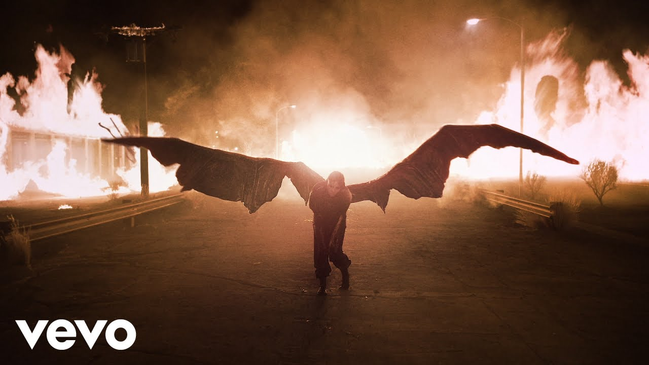 Billie Eilishが大ヒット中のアルバムから「all the good girls go to hell」のミュージック・ビデオを公開
