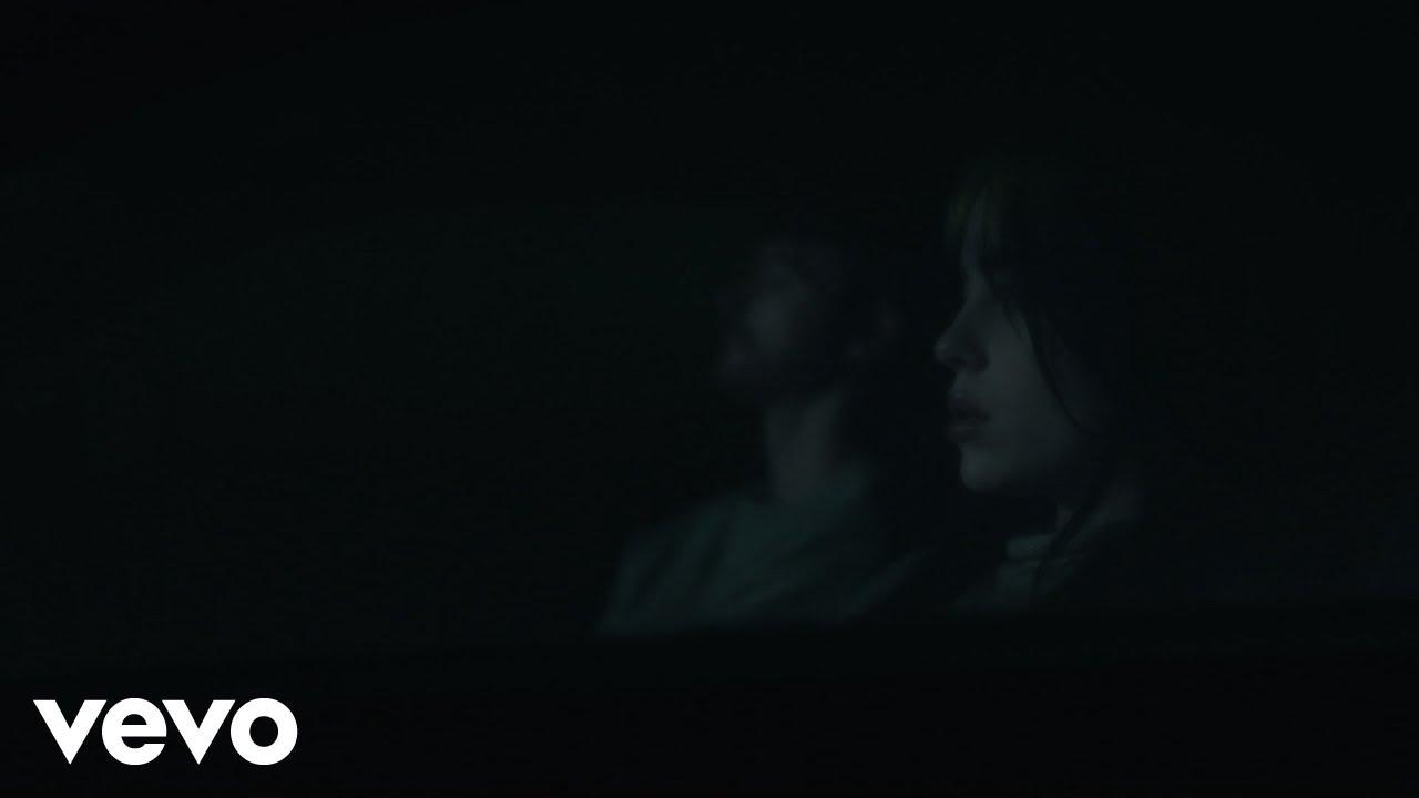 Billie Eilishが最新曲「everything i wanted」のミュージック・ビデオを公開