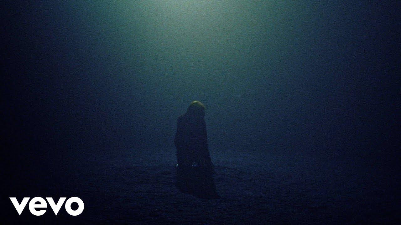 Billie EilishがROSALÍAとのコラボ曲「Lo Vas A Olvidar」のミュージック・ビデオを公開