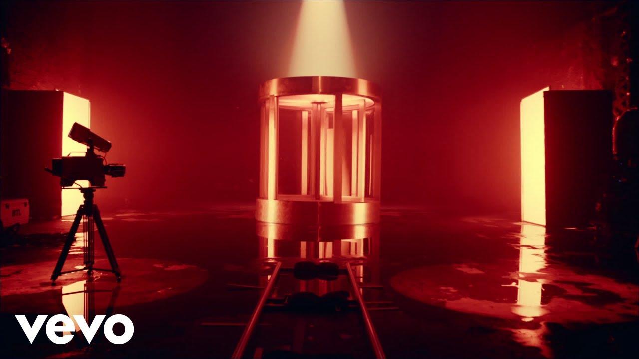 CHVRCHESが新曲「He Said She Said」のミュージック・ビデオを公開