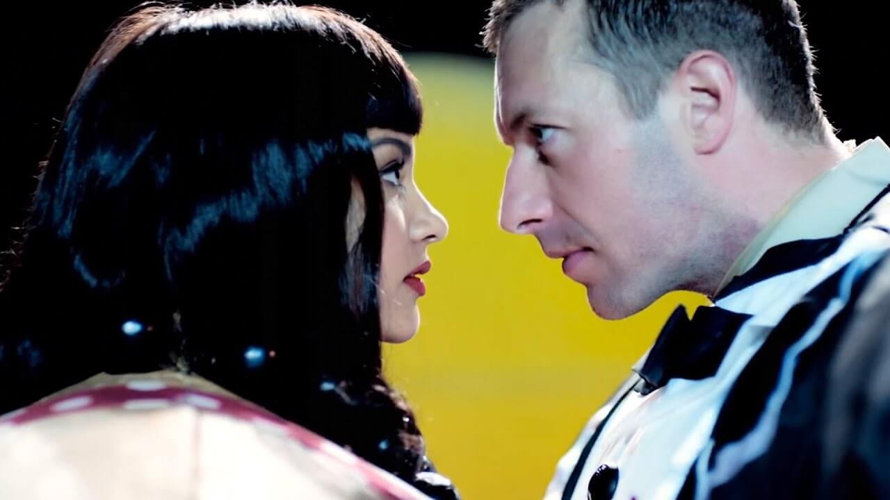 Coldplay「True Love」の洋楽歌詞・YouTube動画・解説まとめ