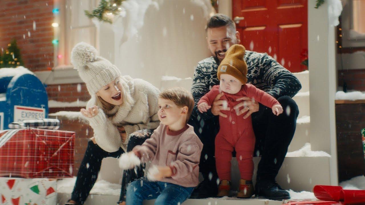 Dan + Shayが最新曲「Take Me Home For Christmas」のミュージック・ビデオを公開