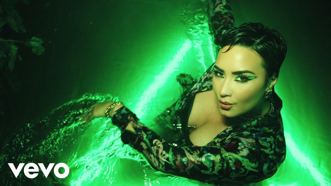 Demi Lovatoが最新アルバムから「Melon Cake」のミュージック・ビデオを公開