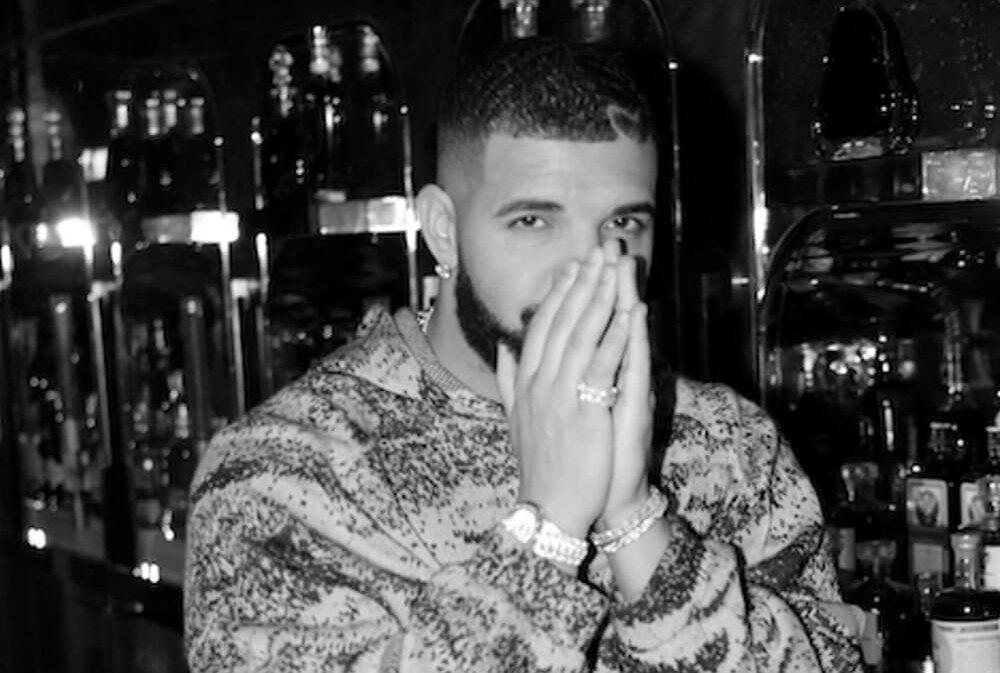 Drakeが最新の全米チャートTOP10で歴代最多9曲がランクインする偉業を達成