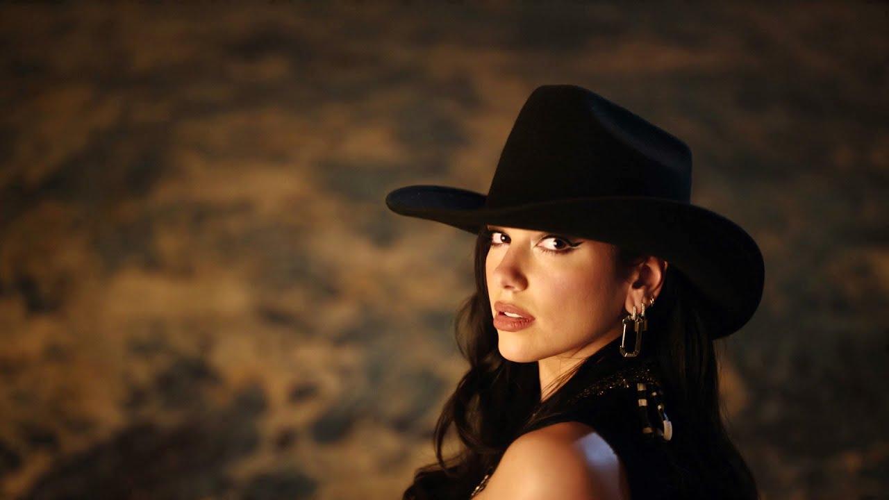 Dua Lipaが大ヒットアルバムから「Love Again」のミュージック・ビデオを公開