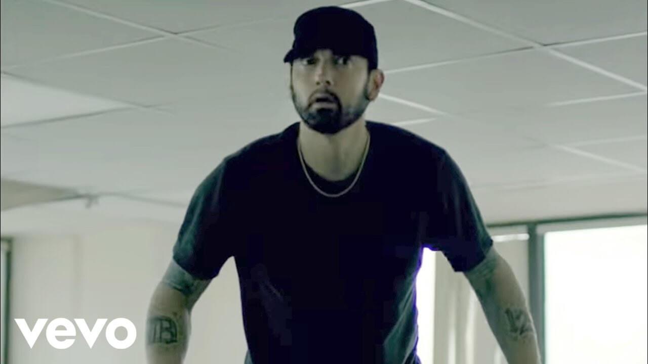 Eminem「Fall」の洋楽歌詞カタカナ・YouTube動画・解説まとめ