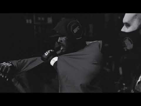Eminemが最新アルバムから「Higher」のミュージック・ビデオを公開
