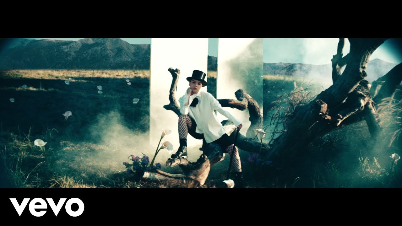 Hailee Steinfeldが新曲「Afterlife」のミュージック・ビデオを公開