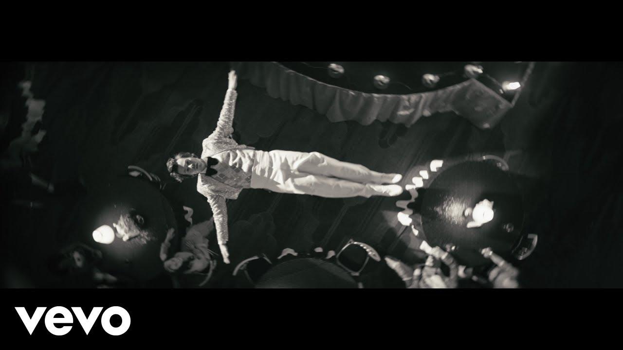 Harry Stylesが大ヒットアルバムから「Treat People with Kindness」のミュージック・ビデオを公開