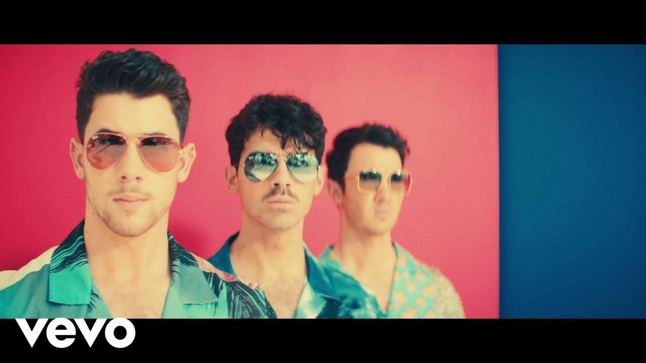 Jonas Brothersが復活第2弾シングル「Cool」のミュージック・ビデオを公開