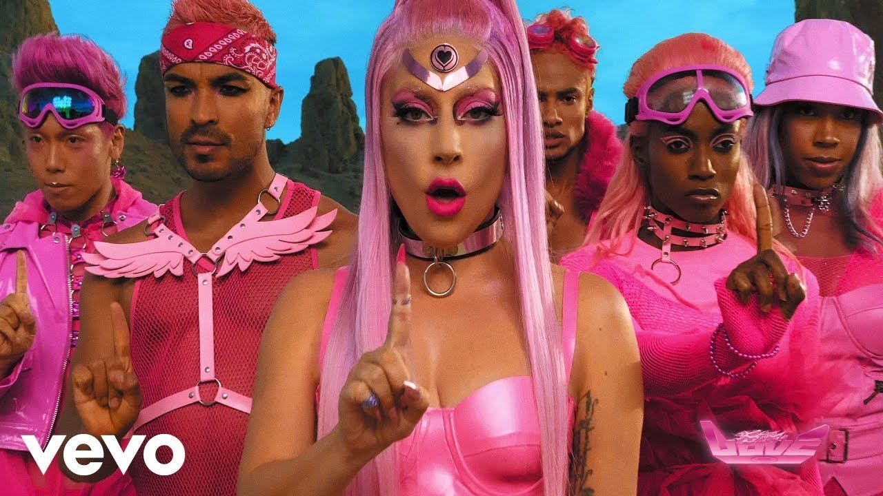 Lady Gagaが新曲「Stupid Love」のミュージック・ビデオを公開
