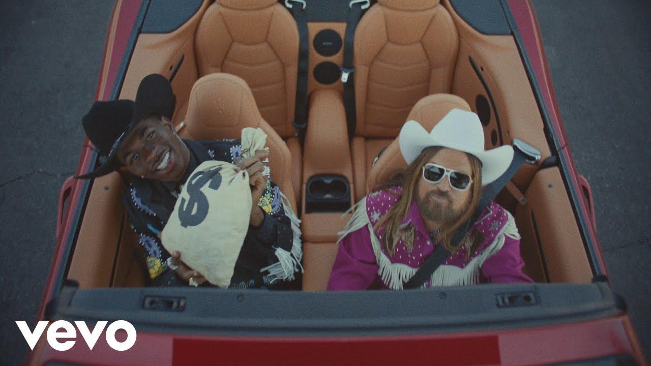 Lil Nas XがBilly Ray Cyrusをゲストに迎えた最新ヒット曲「Old Town Road」のミュージック・ビデオを公開