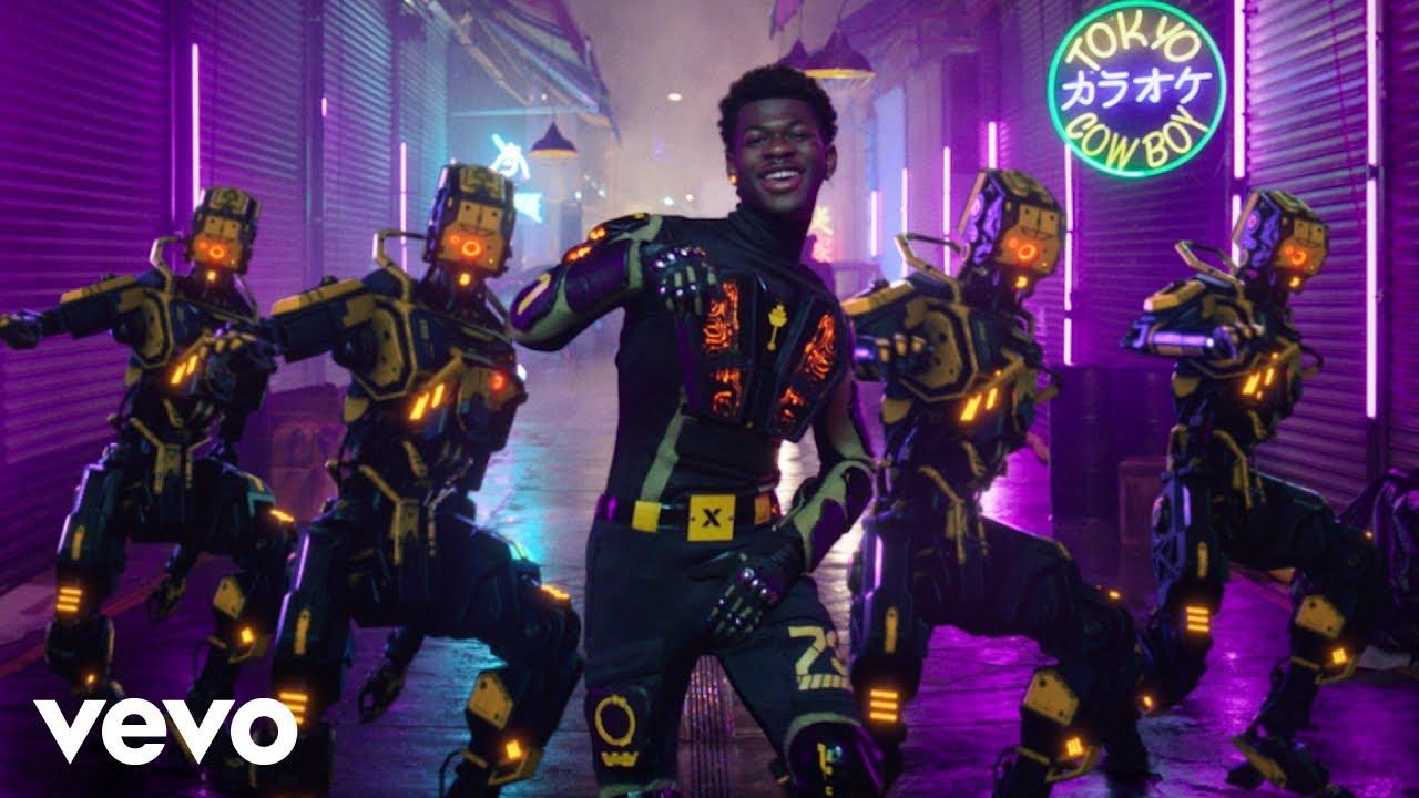 Lil Nas Xが最新曲「Panini」のミュージック・ビデオを公開