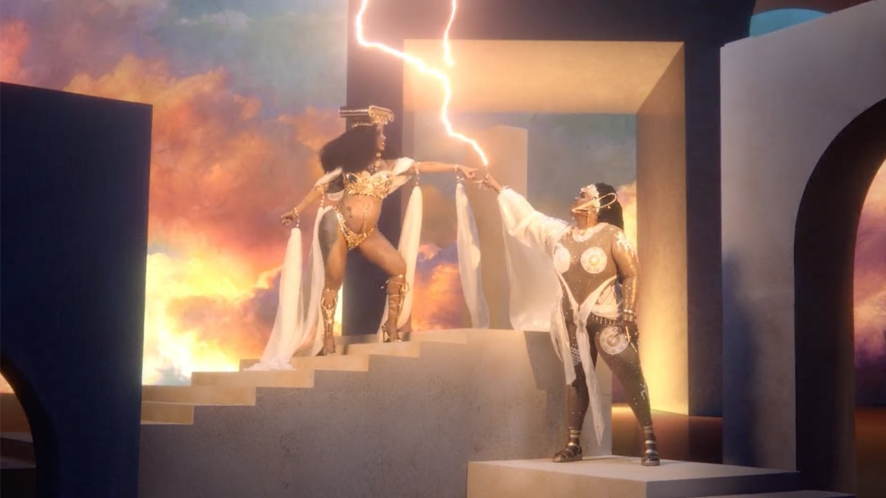 LizzoがCardi Bを迎えた新曲「Rumors」のミュージック・ビデオを公開