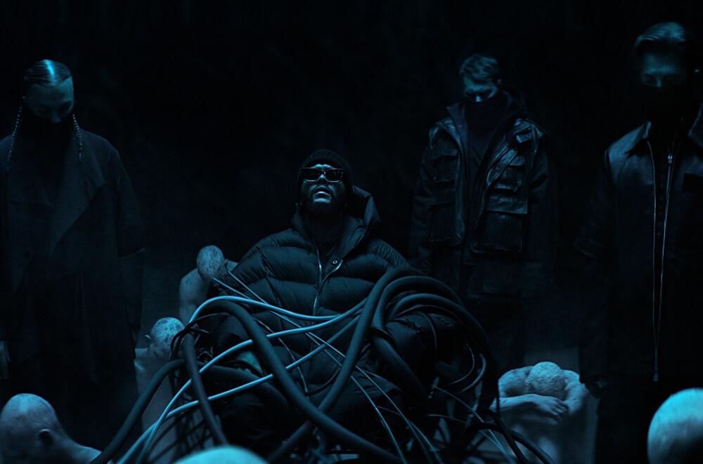 Swedish House MafiaがThe Weekndをゲストに迎えた新曲「Moth To A Flame」のミュージック・ビデオを公開
