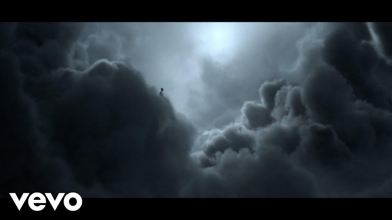 ラッパーのNFが新曲「CLOUDS」のミュージック・ビデオを公開