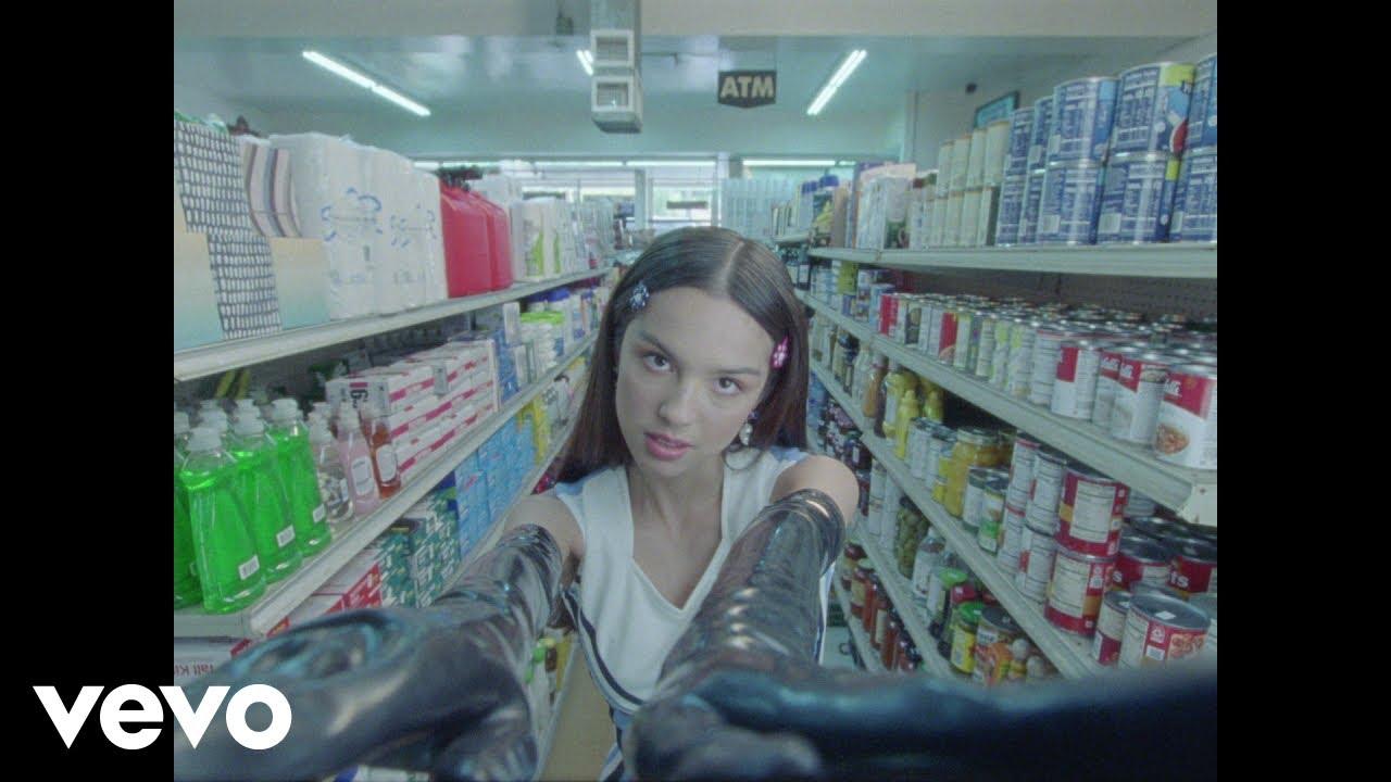 Olivia Rodrigoが新曲「good 4 u」のミュージック・ビデオを公開