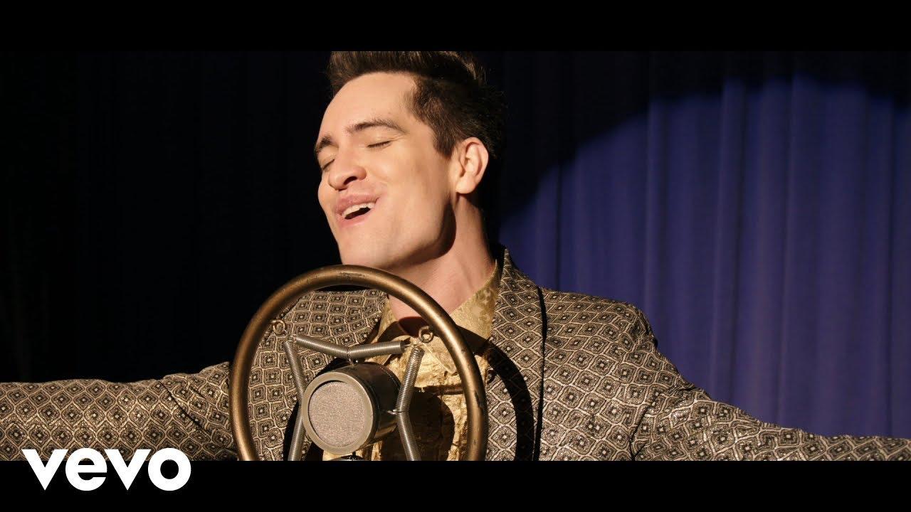 Panic! At The Discoが歌う「Into the Unknown」のミュージック・ビデオが公開