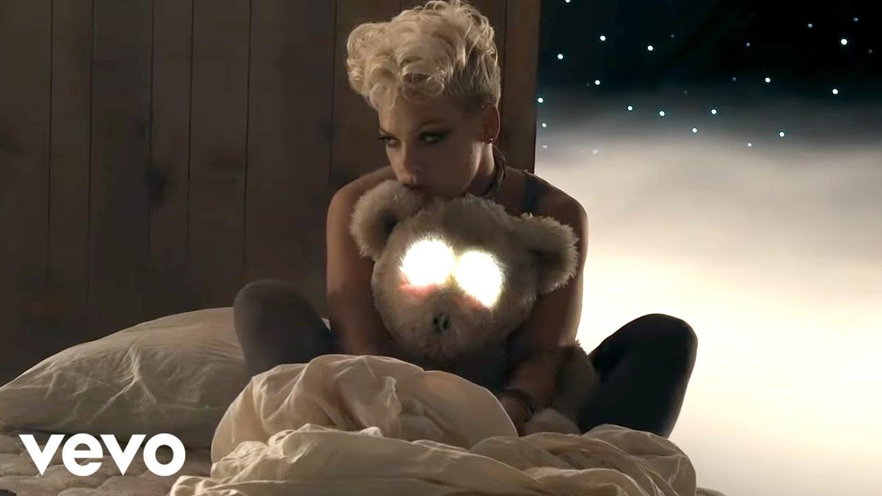 P!nk ft. Nate Ruess「Just Give Me A Reason」の洋楽歌詞カタカナ・YouTube動画・解説まとめ