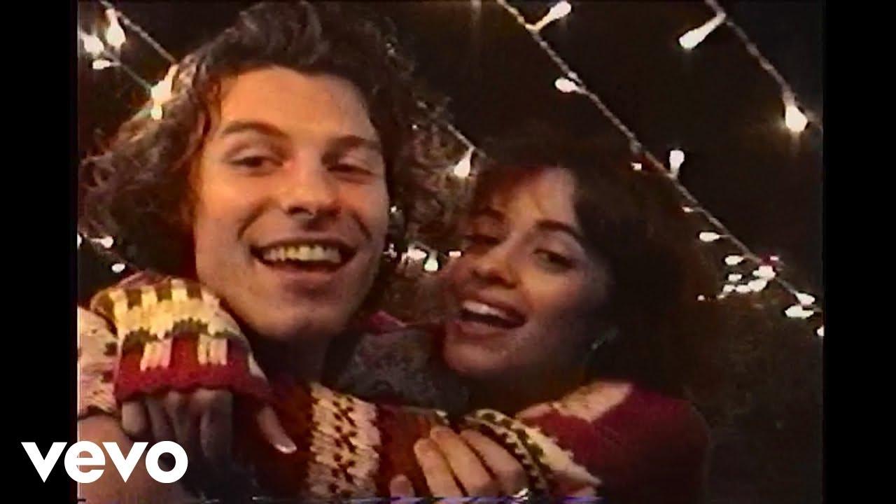 Shawn MendesとCamila Cabelloが「The Christmas Song」をカバーしミュージック・ビデオを公開