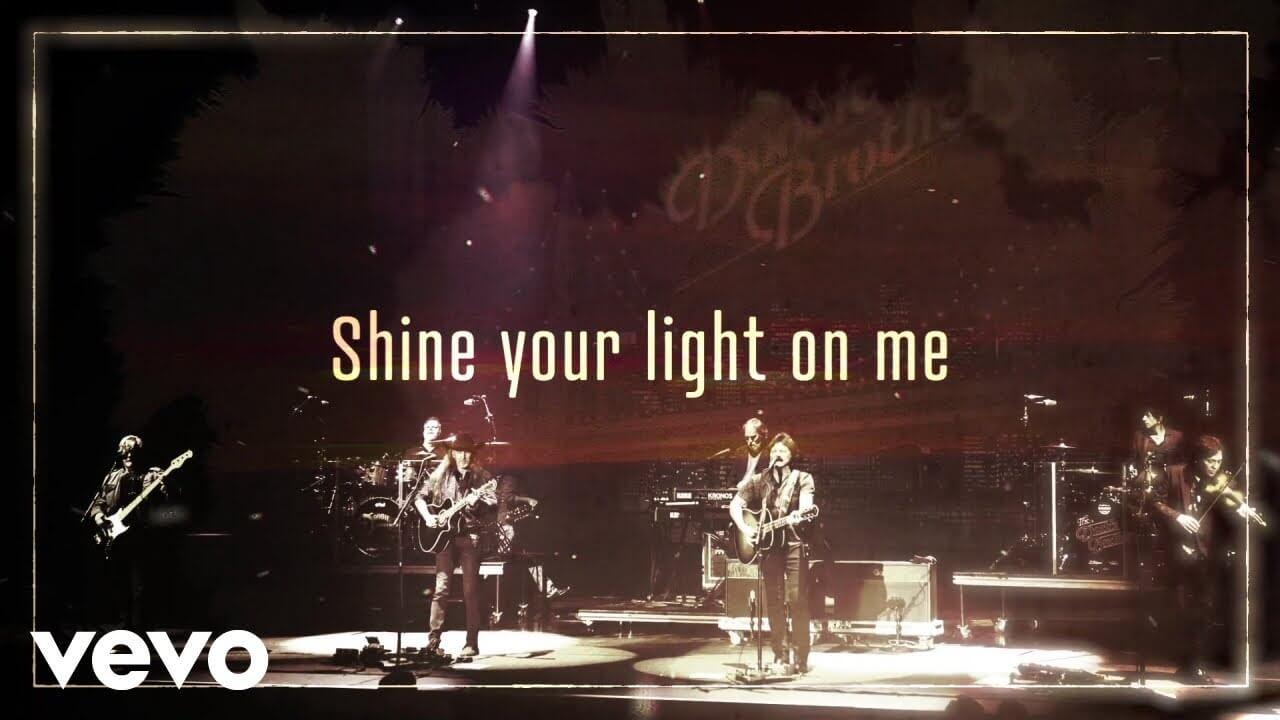 The Doobie Brothersが約11年ぶりの最新アルバム『Liberté』から「Shine Your Light」のリリック・ビデオを公開