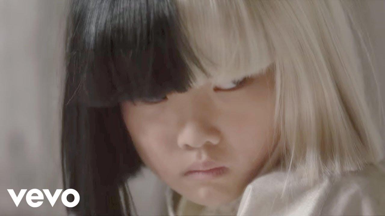 Sia「Alive」の洋楽歌詞カタカナ・YouTube動画・解説まとめ