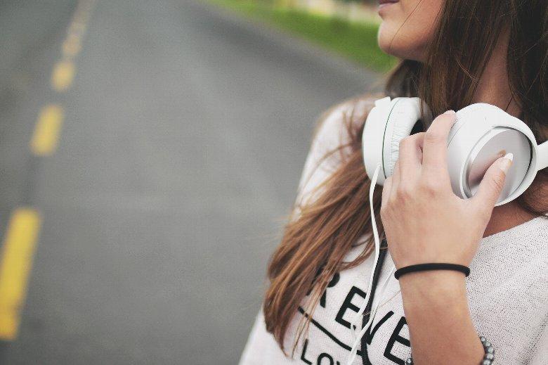 洋楽を聴いて英語の勉強ができるのか?