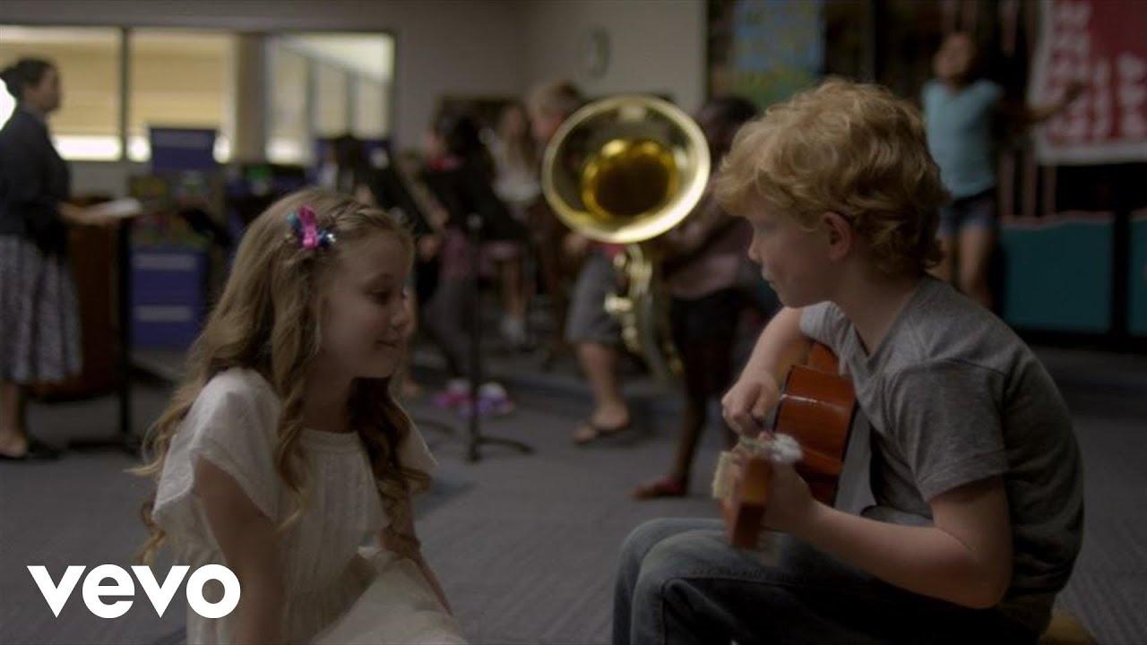Taylor Swift ft. Ed Sheeran「Everything Has Changed」の洋楽歌詞カタカナ・YouTube動画・解説まとめ