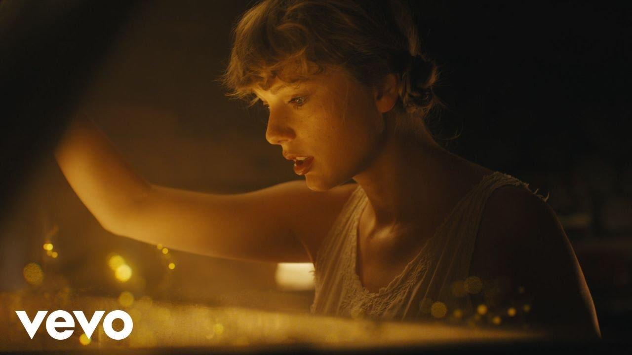 Taylor Swift「Cardigan」の洋楽歌詞カタカナ・YouTube動画・解説まとめ