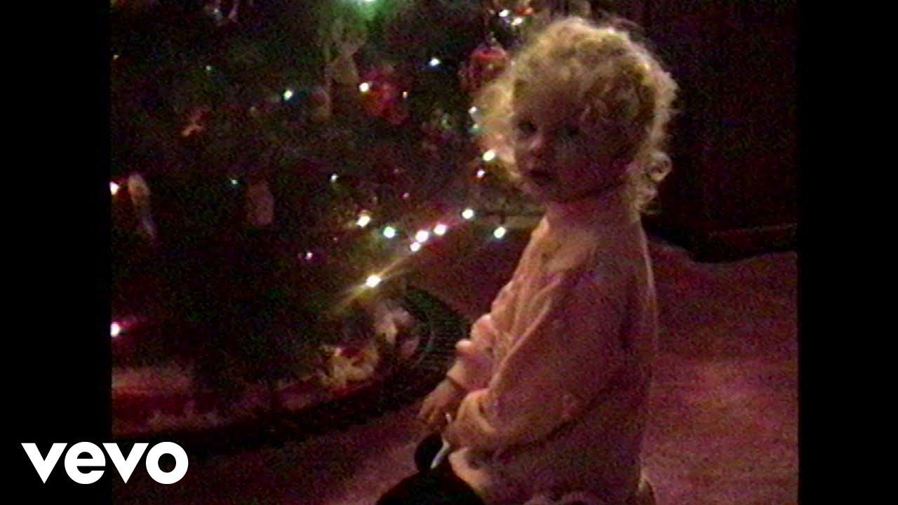 Taylor Swiftが新曲「Christmas Tree Farm」をサプライズリリース!ミュージック・ビデオも解禁