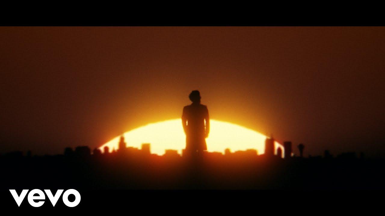 The Weekndが新曲「Take My Breath」のミュージック・ビデオとリリック・ビデオを同時公開