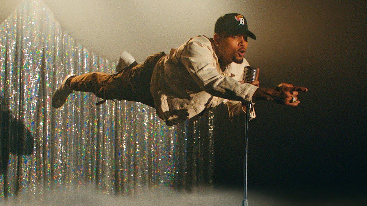Tory LanezがChris Brownを迎えた新曲「Feels」のミュージック・ビデオを公開