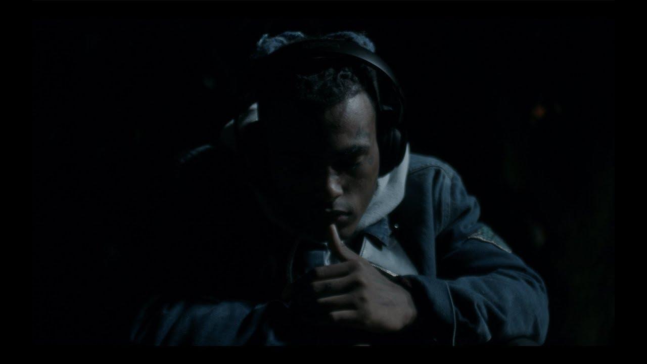 【エモい洋楽】若き天才の繊細な作品。XXXTENTACION『MOONLIGHT(ムーンライト)』